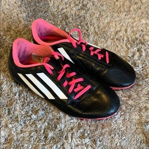 Girls soccer cleats. Size 5. Used